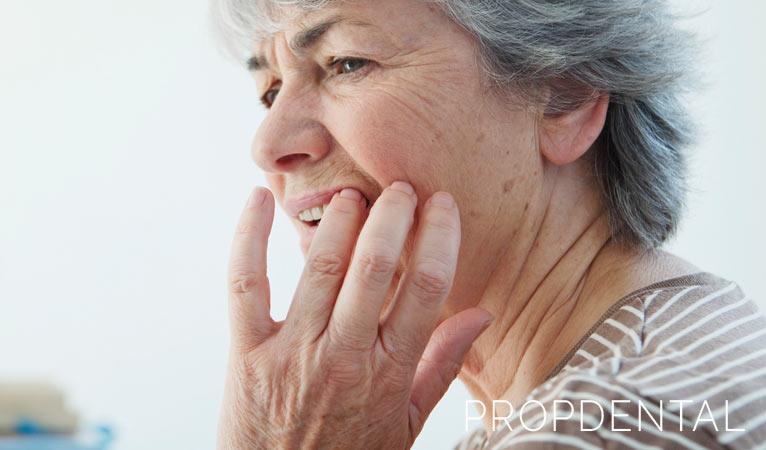 ¿Dientes sensibles? Aquí tienes unos remedios caseros para aliviarlos