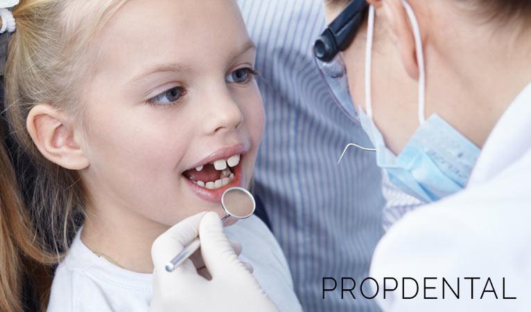 Salud bucodental en la infancia: ¿Cómo mantener unas encías sanas?