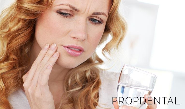 7 causas de la sensibilidad dental (y cómo combatirla)