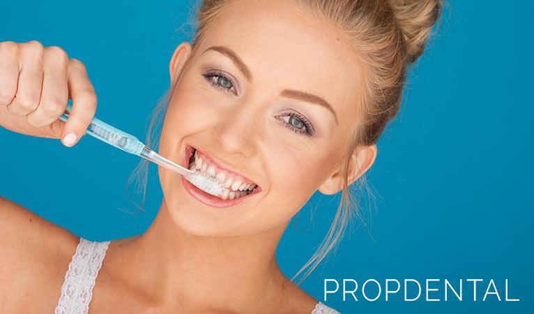 5 Hábitos diarios que atacan tu sonrisa