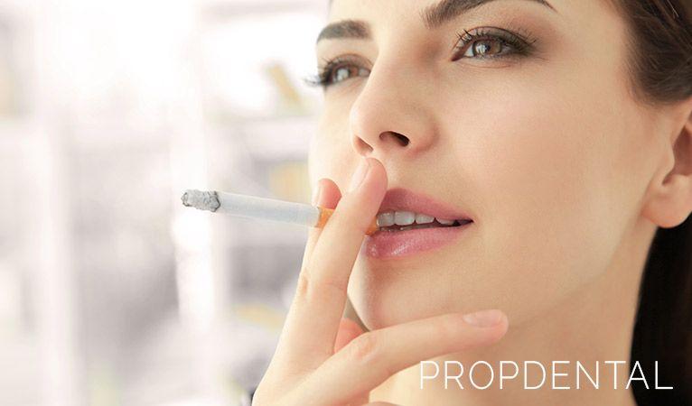 Efectos de fumar sobre tu salud bucodental