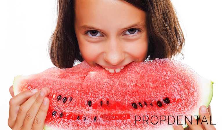 Hábitos alimenticios para una sonrisa sana