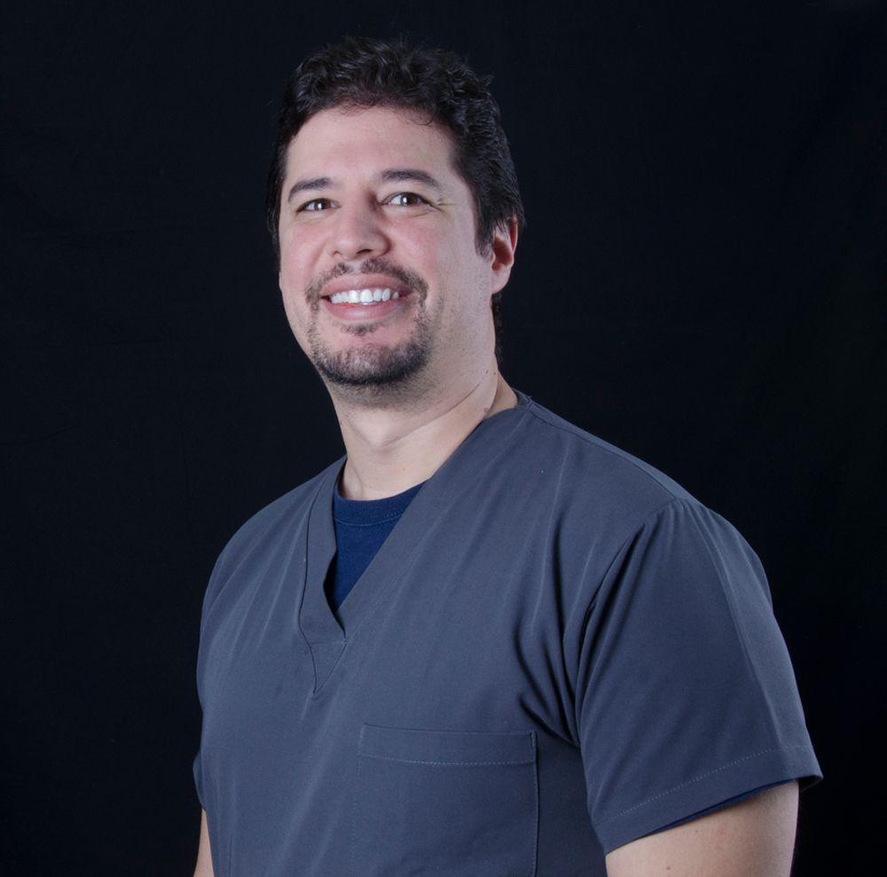 Dr Alejandro Gomez