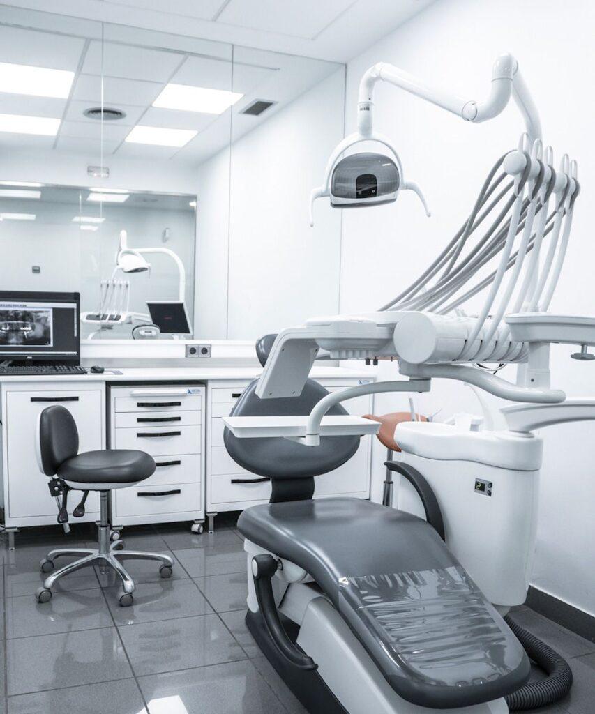 gabinete del dentista en la clinica dental en Badalona